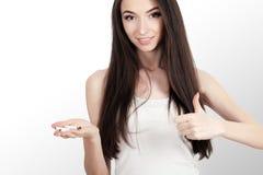 przestań obrazu 3 d antego wytopione palenia Zbliżenie Piękny mienie Łamający dziewczyna papieros W rękach Portret Uśmiechnięty m Obrazy Royalty Free