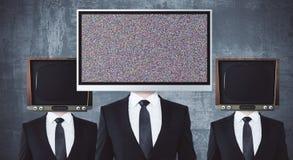 Przestarzali i nowożytni TV głowiaści biznesmeni ilustracja wektor