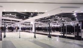 przestronny outerwear hasłowy oświetleniowy sklep Obraz Stock