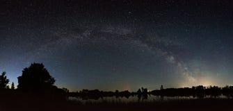 Przestrzeń z gwiazdami Milky sposób w nocnym niebie obrazy royalty free