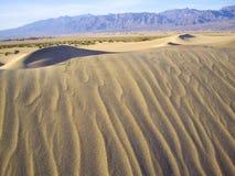 Przesuwanie się piaski w Śmiertelnej dolinie Fotografia Stock