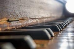 Przetarta Fortepianowa klawiatura Obrazy Stock