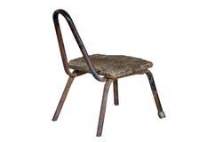 Przetarty starzejący się metalu krzesło z drewnianym siedzeniem Obrazy Stock