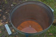 Przetwarzać jabłka dla sok produkci obrazy stock