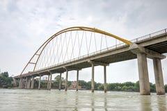 PRZEWDONIK CHINY, Jul, - 22 2014: Żółty rzeczny duży most (Huanghe Obraz Stock
