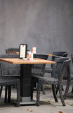 przewodniczy plenerowego stół do baru fotografia royalty free