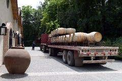 Przewozi samochodem dla transportu wino przy wytwórnią win Santa Rita Fotografia Stock