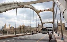 przez bridżowego fu wyzwolenia ming rzekę Zdjęcia Royalty Free
