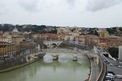 Przez della Conciliazione, Tiber rzeka, miasto, miasteczko, niebo, obszar miejski zdjęcia stock