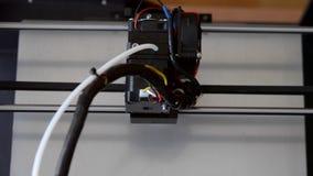Przyłączeniowa 3d drukarka w pracy i druków formie stopiony klingeryt zdjęcie wideo