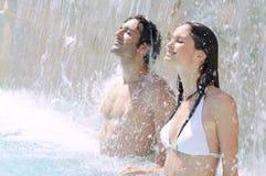 Przy basenem lato orzeźwienie Zdjęcia Royalty Free