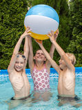 Przy basenem szczęść dzieci Zdjęcie Royalty Free