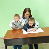 Przy biurkiem Poland wybory parlamentarne 2011 obraz stock