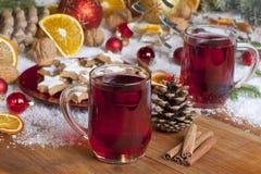 Przy Bożymi Narodzeniami rozmyślający wino Fotografia Royalty Free