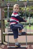 Przy boiskiem falowania dziecko Zdjęcia Stock