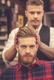 Przy fryzjera męskiego sklepem obrazy stock