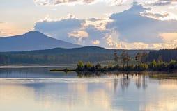 Przy jeziorem Zdjęcia Royalty Free