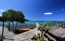 Przy Kood wyspą drewniany Most Fotografia Stock