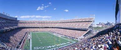 Przy Milowym Wysokim Stadium Sell-out tłum, Broncos Barany v Barany, Denver, Kolorado zdjęcie royalty free