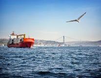 Przy morzem ładunku statek Zdjęcia Stock