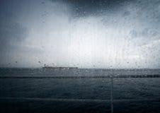 Przy morzem zły pogoda fotografia royalty free