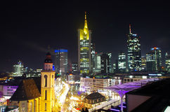 Przy noc Frankfurt miasto Fotografia Stock