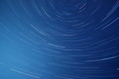 Przy noc gwiazdowi ślada zdjęcie stock