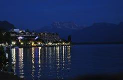 Przy nocą na banku Jeziorny Genewa Obraz Stock