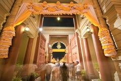 Przy noc uroczysty Pałac, Bangkok zdjęcia stock