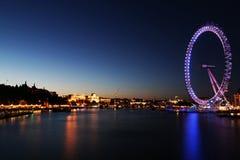 Przy Półmrokiem londyński Oko zdjęcie stock