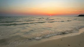 Przy pięknym zmierzchem tropikalna plaża zbiory wideo