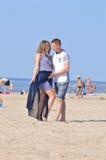 Przy Plażą potomstwo Para zdjęcia royalty free