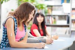 Przy próbnym egzaminem studencki cyganienie zdjęcia royalty free