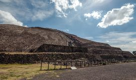 Przy stopą piramyd słońce teotihuacan Meksyk Zdjęcie Stock