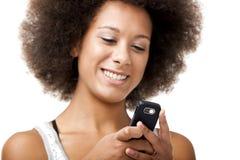 Przy telefon komórkowy piękna kobieta Obraz Royalty Free