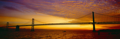 Przy Wschód słońca podpalany Most Fotografia Royalty Free