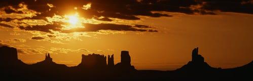 Przy wschód słońca pomnikowa Dolina Zdjęcia Stock
