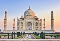 Przy wschód słońca Taj ławka Mahal Obrazy Stock