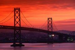 Przy zmierzchem podpalany Most, San Fransisco, CA Fotografia Royalty Free