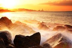 Przy zmierzchem złoty morze Zdjęcia Royalty Free