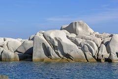 Przyciągający kształty wyspy Lavezzi na morzu Bonifacio, Południowy Corsica, Francja Obrazy Royalty Free