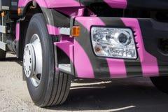 Przyczepy ciężarówka w jaskrawych kolorach Zdjęcie Stock