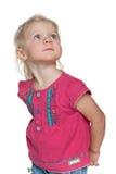 Przyglądająca up zadumana mała dziewczynka Zdjęcia Royalty Free