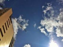 Przyglądająca wysokość up w niebie Zdjęcia Royalty Free