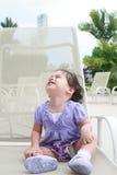 przyglądający dziecka miejsce relaksuje przyglądający Obrazy Royalty Free