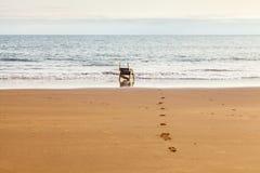 Przyglądający morze out Fotografia Royalty Free