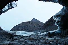 Przyglądający od lodowej jamy out Obraz Stock