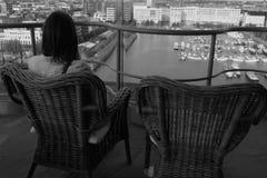 Przyglądający oddalony i czekanie dla miłości Obraz Stock