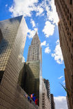 Przyglądający przy Chrysler budynkiem w Nowy Jork mieście up Zdjęcia Royalty Free