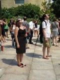 Przyglądający przy Częściowym Słonecznym zaćmieniem up Obraz Royalty Free